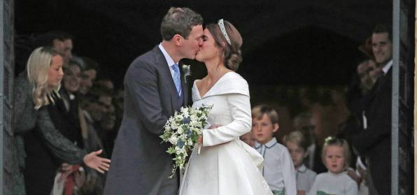 rs_1920x900-181012042455-lt-3Jack-Eugenie-Stairs-princess-eugenie-wedding