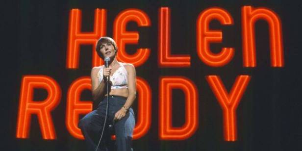 Helen Reddy At Her Show Performing
