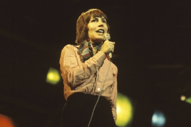 UNITED KINGDOM - JANUARY 01: Photo of Helen REDDY (Photo by David Redfern/Redferns)